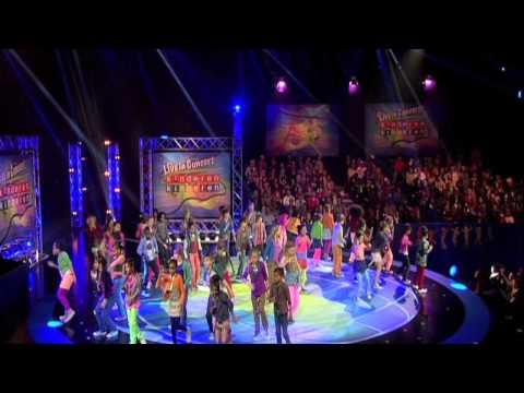 Kinderen voor Kinderen 33 Live in Concert opening - Hallo Wereld