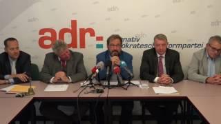 Gast Gibéryen op der ADR-Pressekonferenz iwwer d'Journée parlementaire.