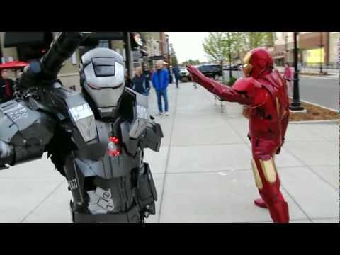 超強街頭Cosplay鋼鐵人,跟拍電影沒什麼兩樣!