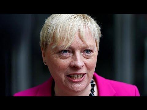 Βρετανία: Η Άντζελα Ιγκλ διεκδικεί την ηγεσία των Εργατικών