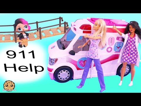 911 Call Part 3 ! Barbie Ambulance Care Clinic Car with LOL Surprise Dolls (видео)