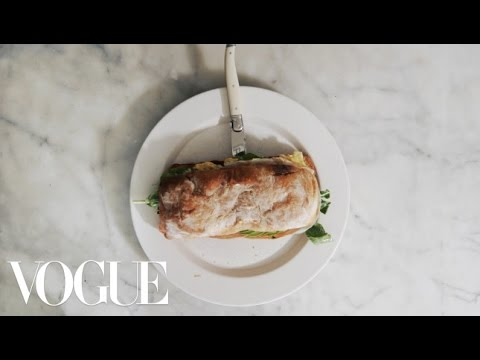3 Steps to the Perfect Breakfast Sandwich | Vogue
