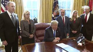 Video President Trump Signs an Executive Order MP3, 3GP, MP4, WEBM, AVI, FLV Januari 2018