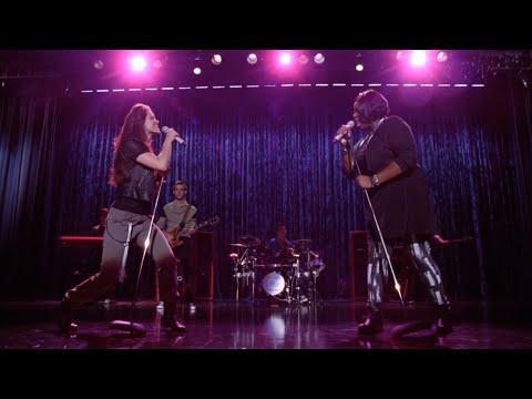 GLEE - Blow Me One Last Kiss (Full Performance) HD (видео)