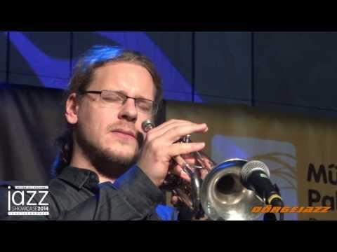 Matthias Backhaus - http://dorgejazz.blogspot.hu/ Bastian Stein - trombita, Rainer Böhm - piano Matthias Pichler - bőgő Tobias Backhaus - dob.