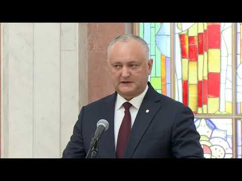 Patru miniștri și un viceprim-ministru au fost învestiți în funcție