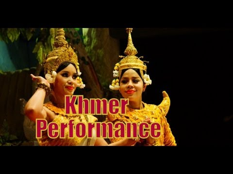 Watching a traditional Khmer Apsara Dance in Cambodia