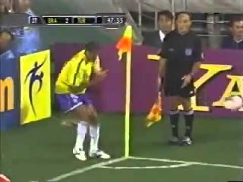 Những khoảnh khắc bá đạo nhất của bóng đá năm 2013