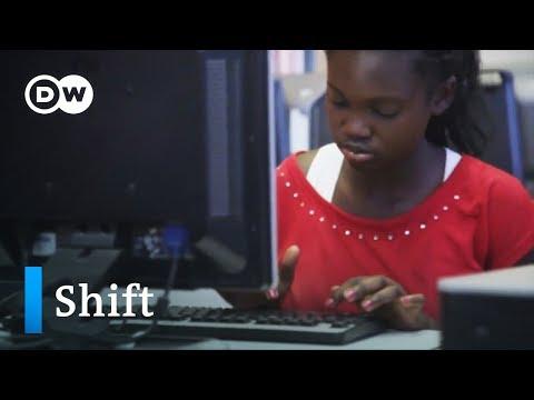 Programmieren für Mädchen in Kapstadt | DW Deutsch