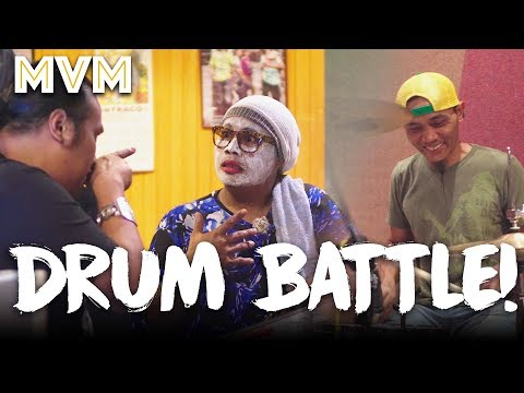 Download Lagu Drum Battle! Ujang VS Kak Nab Auntie Band! Music Video