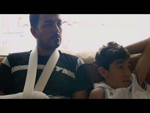 لاجئ سوري يحلم باللحاق بعائلته من اليونان إلى المانيا