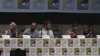 Jennifer Lawrence & Josh Hutcherson-Funny moments from SDCC 2013