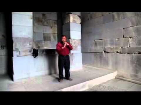 Armenia viaggio 2012 1 Suonatore di duduk nel tempio di Helios a Garni