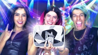 Video THE MOST EPIC DELIVERY OF THE DIAMOND BUTTON WITH 10,000 OF YOU | POLINESIOS VLOGS MP3, 3GP, MP4, WEBM, AVI, FLV Juni 2018