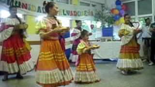Folklor Salvadoreño En Milàn