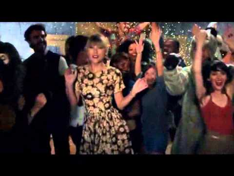 22 - Taylor Swift (Official Music Video)