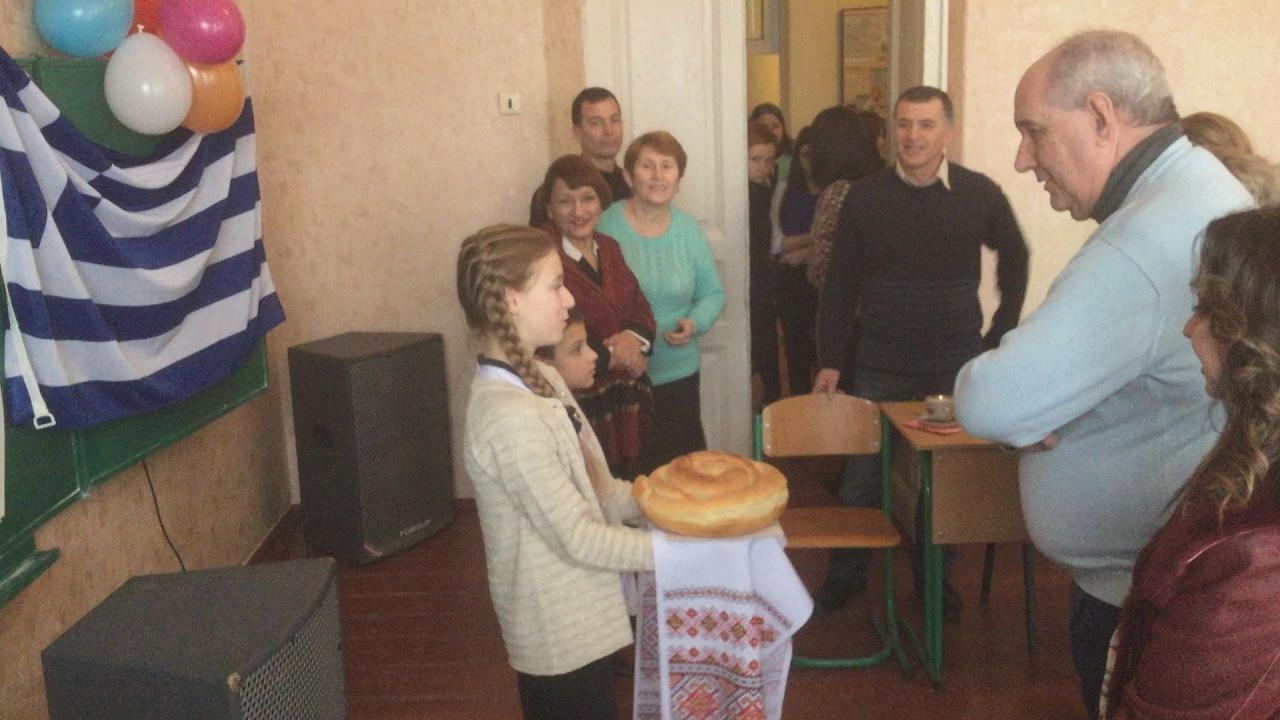 Σε ελληνικούς ρυθμούς χτύπησε η καρδιά των Ελλήνων με την επίσκεψη του Τ. Κουίκ    στην Ουκρανία