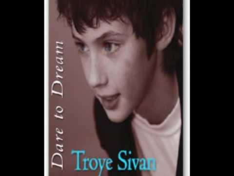 Troye Sivan - Somwhere Over The Rainbow lyrics