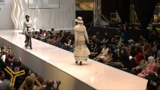 Strut - MIFA 2010 Islamic Fashion Festival, Jarumas And Khadani,