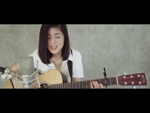 Gorillaz - Feel Good Inc. (Cover) by Daniela Andrade - Thời lượng: 2 phút, 31 giây.