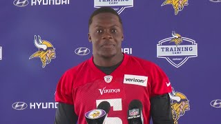 The Vikings quarterback suffered a devastating injury at practice last summer, David McCoy reports (2:41). WCCO 4 News At 6 – July 27, 2017