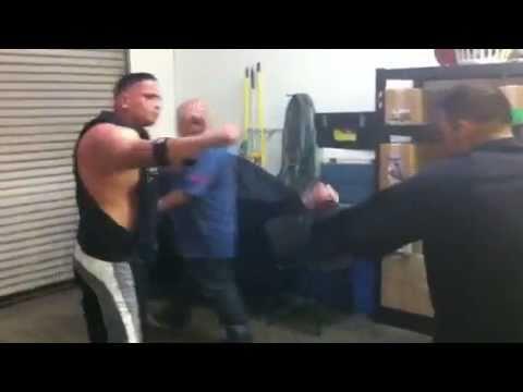 lima lama - Inexperienced jiu jitsu guy Destroys trained Lima Lama practitioner.