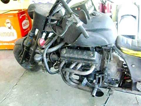 V8 motorcycle - Motocicleta com motor V8