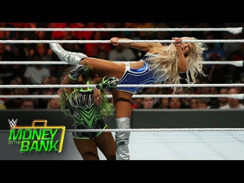 Naomi vs. Lana - SmackDown Women's Title Match: WWE Money in the Bank 2017 (WWE Network Exclusive) (видео)