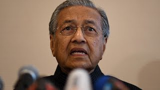 Chairman of the Opposition coalition Tun Dr Mahathir Mohamad said he is willing to accept Datuk Seri Anwar Ibrahim as the Prime Minister if that is the wish of the people.