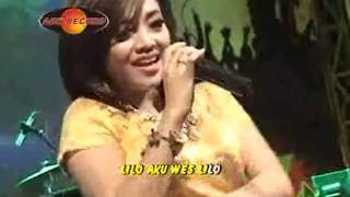 Video Deviana Safara - Lilo Aku Lilo (Official Music Video) - The Rosta - Aini Record MP3, 3GP, MP4, WEBM, AVI, FLV Maret 2018