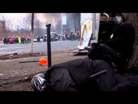 ПЕРЕСТРЕЛКА НА МАЙДАНЕ   НОВЫЕ КАДРЫ   Украина Киев Майдан независимости Евромайдан (видео)