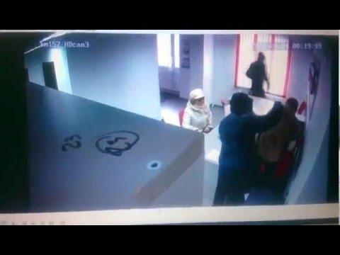 Спокойно и четко видео ограбления офиса микрофинансовой организации