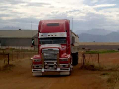 Freightliner FLD 120 Cummins