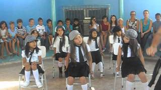 Apresentação do dia do estudante na escola Joaquim Soares Santana.