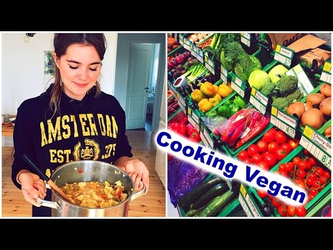 Cooking VEGAN In Amsterdam (VLOG 1)