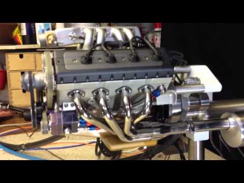 Model V8 engine with electronic fuel injection