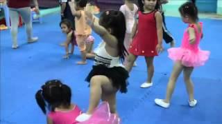 Sushi học nhảy Aerobic