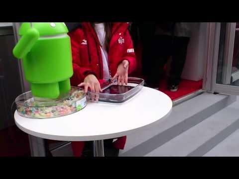 Fujitsu tablet takes a swim at Mobile World Congress