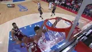 Matt Barnes Slashes In for Two-Handed Jam