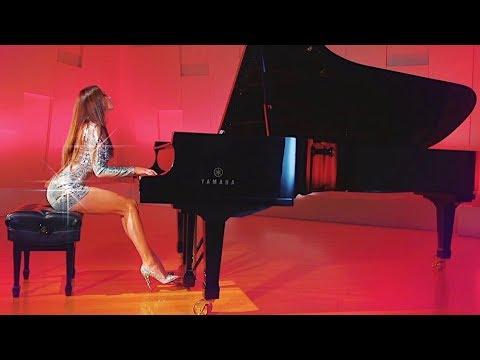 Прекрасная Лола Астанова и прекрасная музыка