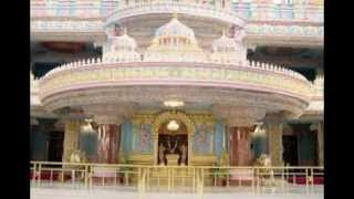 Sathya Sai Baba Video -  Swami Sings Ganesh Bhajan.