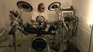Mik Roy indspiller trommer til Rooster Music Produktion