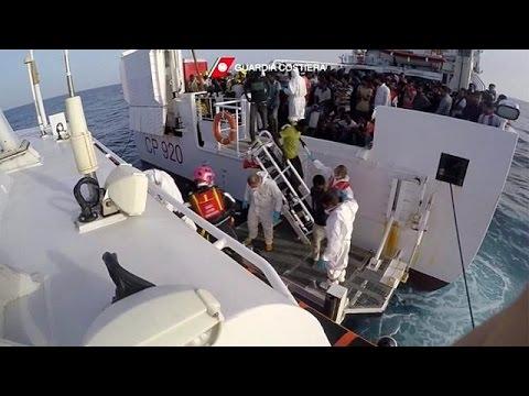 3.300 μετανάστες στις ιταλικές ακτές