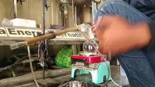 Pemasangan alat destilasi sederhana