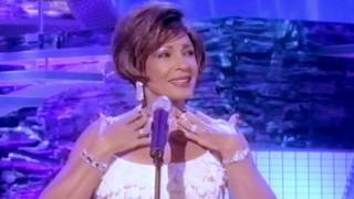 Shirley Bassey - Diamonds Are Forever / GOLDFINGER (2002 Live)