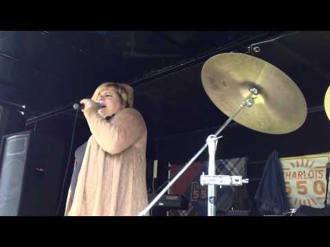 Monique preview video via Iphone 4S 17e editie zuiderparkdagen 2012  Rotterdam za 09-06-12