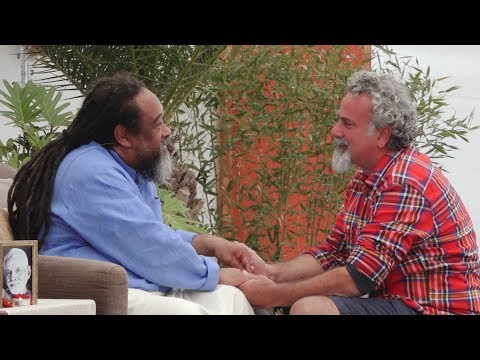 Mooji Video: Does An Awakened Being Pray? And, If So, Who Do They Pray To?
