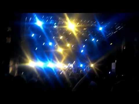 The Smashing Pumpkins - Zero @ Splendour in the Grass 2012 online metal music video by THE SMASHING PUMPKINS