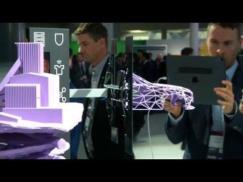 MWC: Αναδιπλούμενα κινητά, 5G, τεχνητή νοημοσύνη, VR και… drone ταξί…