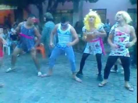 Esquerda,direita - Carnaval em Macaúbas